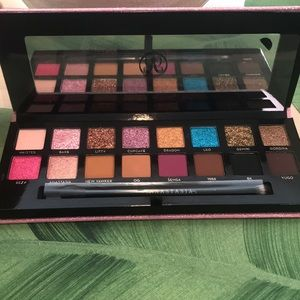 HP🎉 NEW! Anastasia Beverly Hills Amrezy Palette